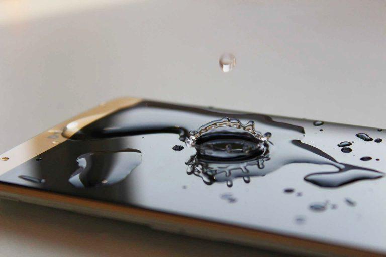 Solución a móvil mojado